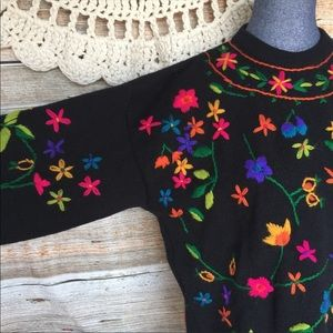 Vintage Sweaters - VTG Rainbow Embroidered Boho Floral Folk Sweater